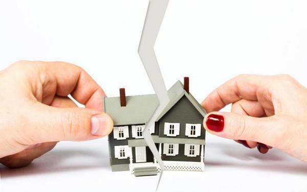 Даже если доли меньше минимальной площади жилья, приходящейся на человека по закону, сделка все равно будет законной