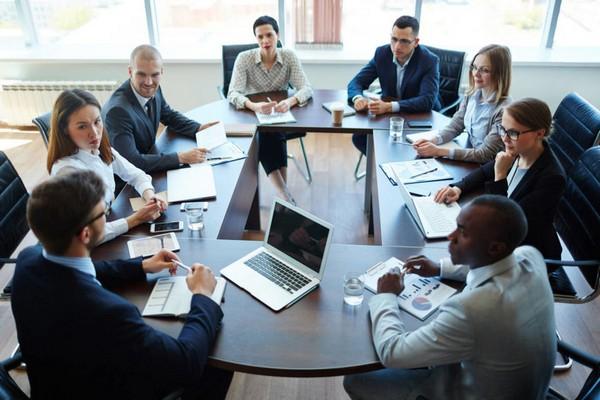 Все, кто занимается управлением организации, должны отчитываться перед наблюдательным органом