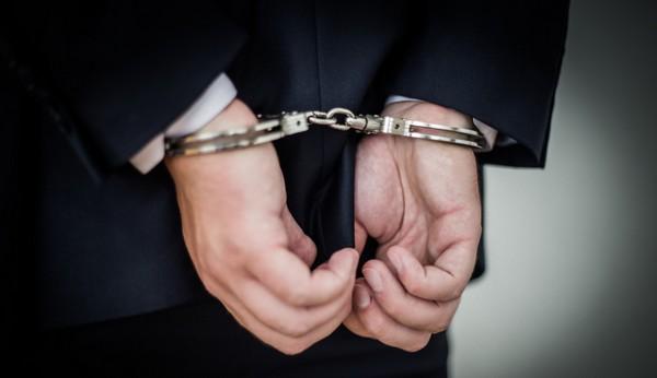 Понести наказание за служебный подлог могут лишь госслужащие, должностные работники