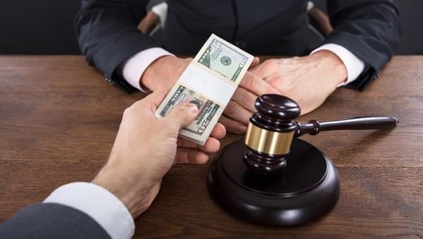 Коррупция возможна в разных сферах жизни