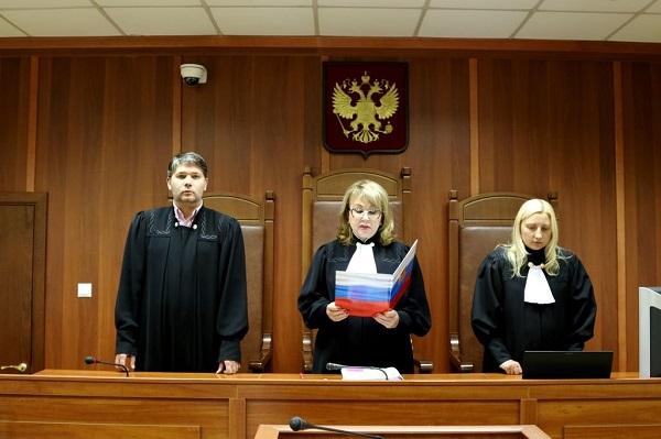 Все дела, передаваемые судье, должны быть приняты в работу. Исключением могут быть особые случаи, когда судья обязан взять самоотвод
