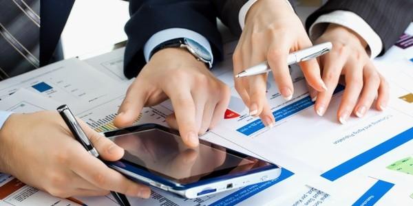 Есть определенные типы деятельности по ОКВЭД, которые нужно лицензировать
