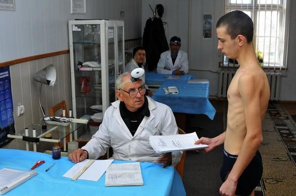 Если состояние здоровья у юноши неудовлетворительное, он не годен для службы