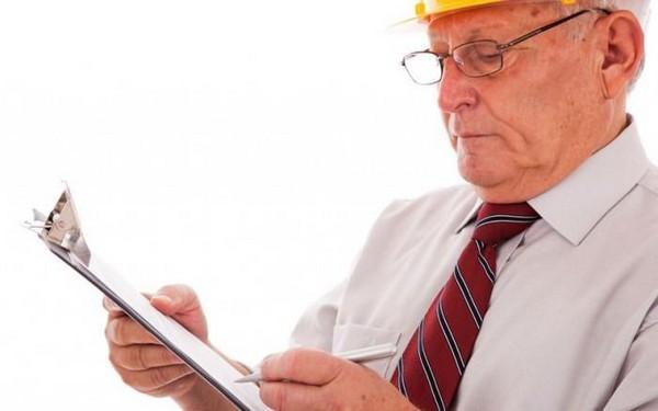 Чтобы выйти на страховую пенсию по старости, нужно иметь определенный стаж, количество баллов