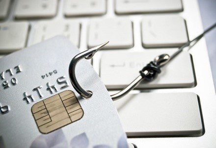 Вместо заблокированного счета открыть другой не получится, это противозаконно
