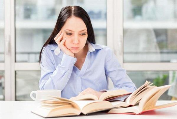 Студентам, получающим образование заочно, все гарантии и компенсации, предусмотренные государством, обеспечиваются только по основному месту работы