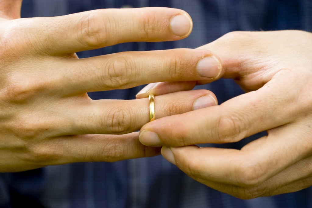 Для того, чтобы долги по алиментам были признаны недействительными, потребуется аннулировать развод