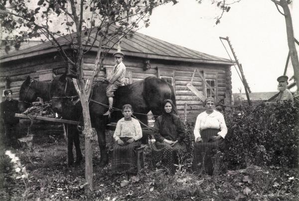 До тридцатых годов самообложение было добровольным для жителей деревень