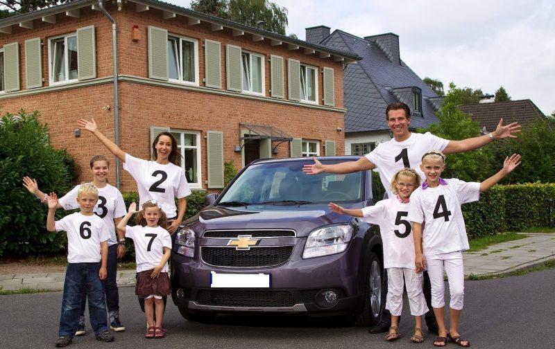 Многодетная семья имеет преференции при уплате транспортного налога