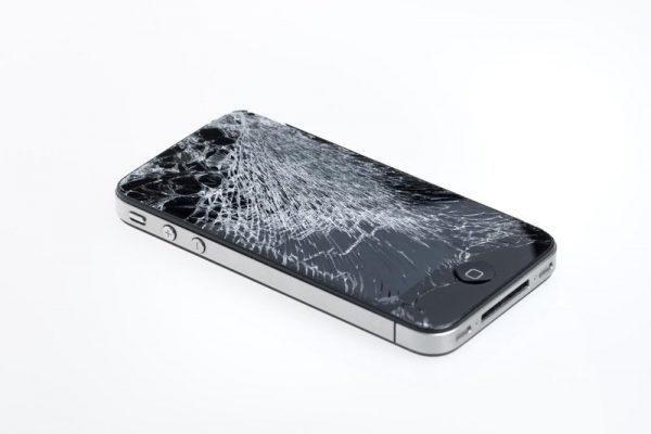 Сломанный смартфон
