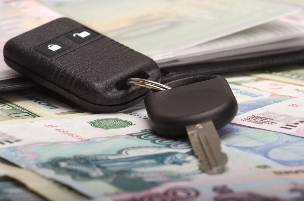 Стоимость оформления договора купли-продажи и последующей регистрации автомобиля зависит от наличия посредников