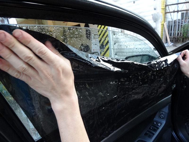Тонировка защищает салон автомобиля от УФ лучей