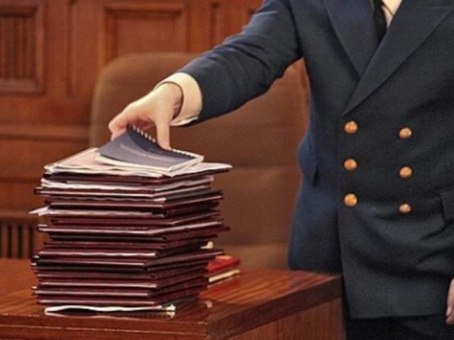 Уголовное дело может быть возбуждено благодаря постановлению прокурора