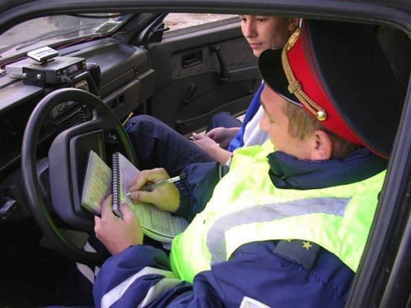 Закон обязывает сотрудников полиции составлять на водителя протокол о нарушении ПДД