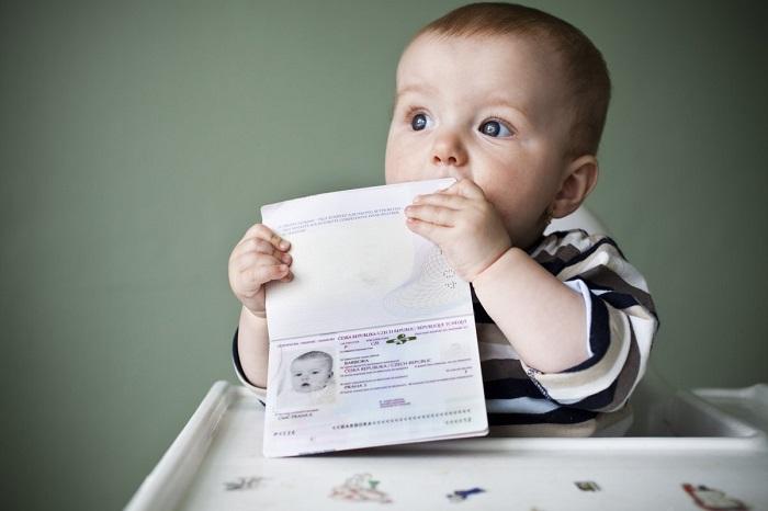 Заявление на регистрацию должен заполнить законный представитель ребенка