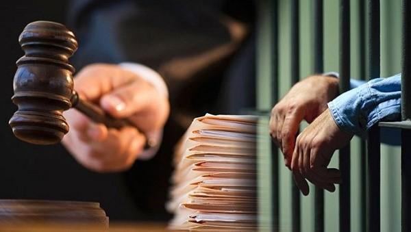 За оформление протокола судебного заседания отвечает секретарь