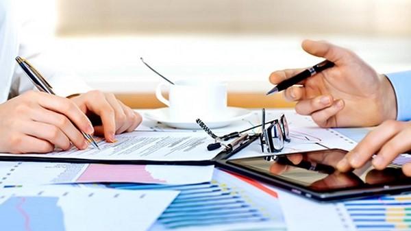 Задача по выдаче копий важных документов лежит в перечне обязанностей структуры