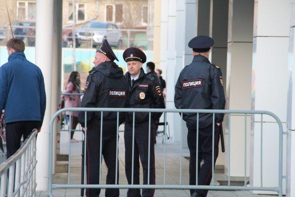 Нарушителю поведенческих норм в зале суда грозит удаление с процесса и применение штрафа
