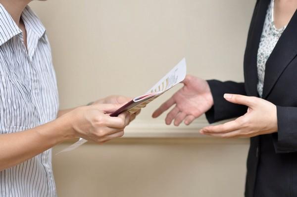 В расписке важно указать, какие именно бумаги передаются