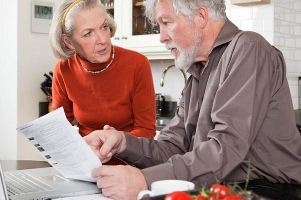 Стаж при начислении пенсии по вредности для специальностей из списка 1 и 2 не складывается