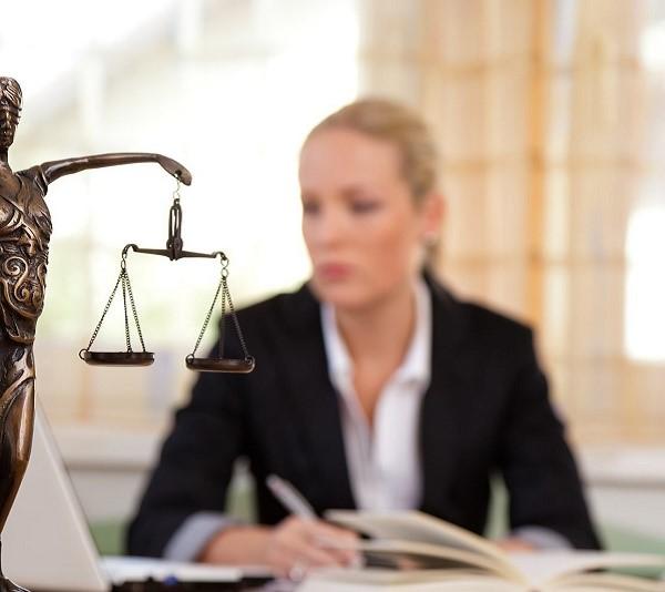 Обыскать квартиру адвоката органы следствия и розыска могут только в случае наличия у них разрешения суда