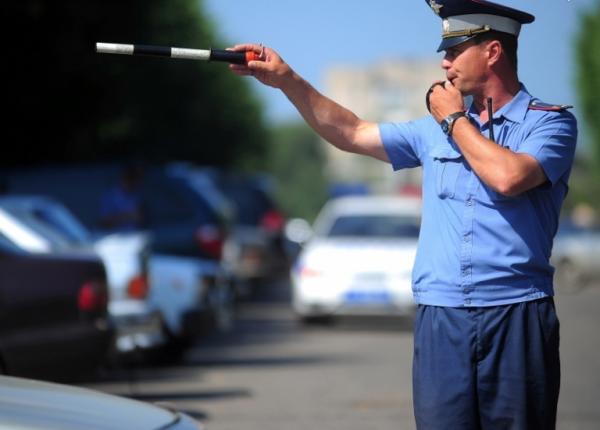 Чтобы обойтись предупреждением, не стоит привлекать внимание инспектора на дороге
