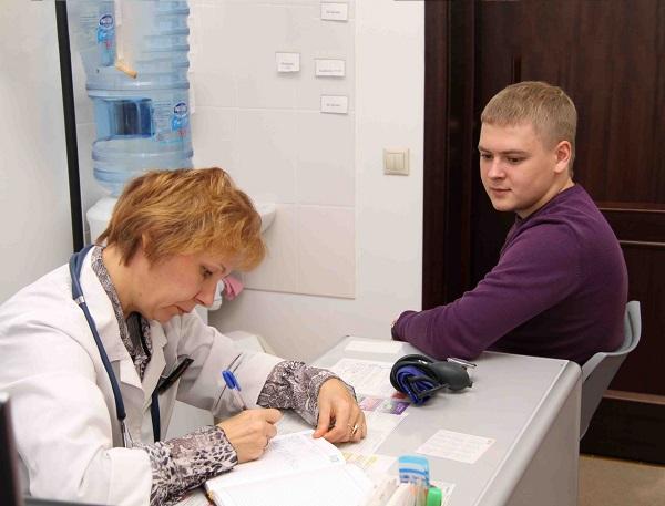В прохождении медицинского осмотра в первую очередь должен быть заинтересован сам работник, так как это позволяет пройти осмотры основных врачей без оплаты