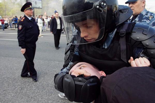 Не стоит шутить и провоцировать сотрудников полиции применять спецсредства без особой надобности