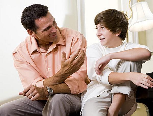 Участие родителей, конечно, очень важно: возможно, стоит поговорить с ребенком, обсудить проблемы
