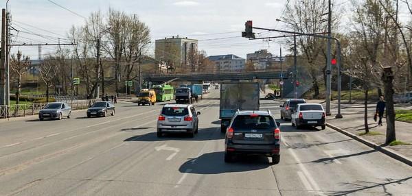 Для поворота нужно занять крайнюю полосу на дороге