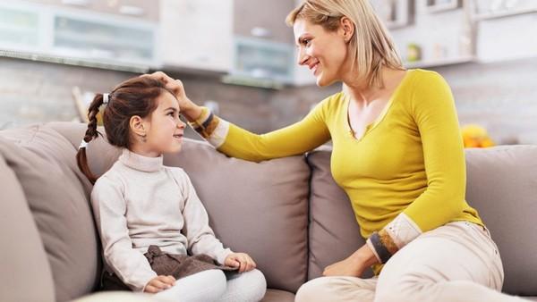 Родители обязательно должны объяснять детям, как вести себя на уроках, с одноклассниками, учителем