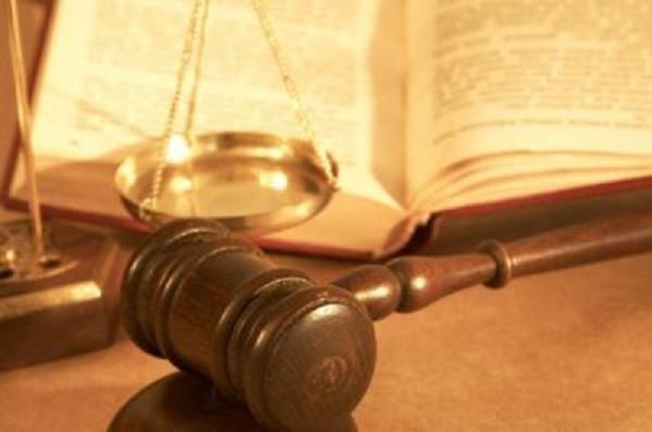 Действовать специалист частной юридической практики может только в рамках закона