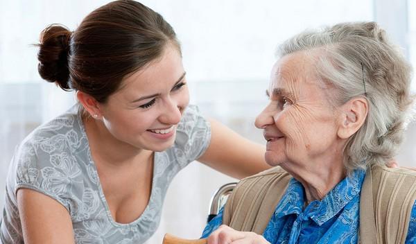 За уход за человеком старше 80 лет начисляется стаж
