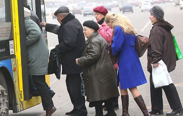 Власти культурной столицы также позаботились о том, чтобы пенсионеры могли передвигаться по городу на льготных условиях