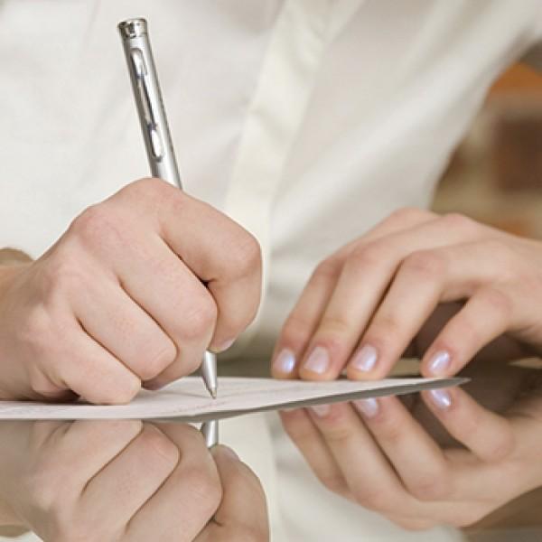 Нужно предоставить определенные документы: справку с места работы, врачебное заключение и проч.