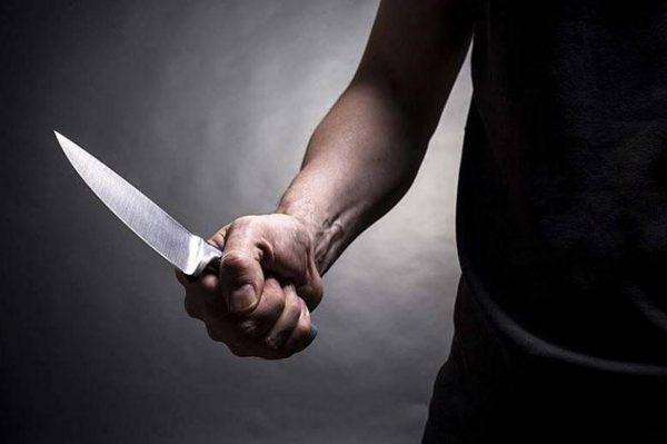 О том, что угрозы были реальны, может свидетельствовать использование обвиняемым оружия, каких-либо предметов, которые могут нанести вред человеку