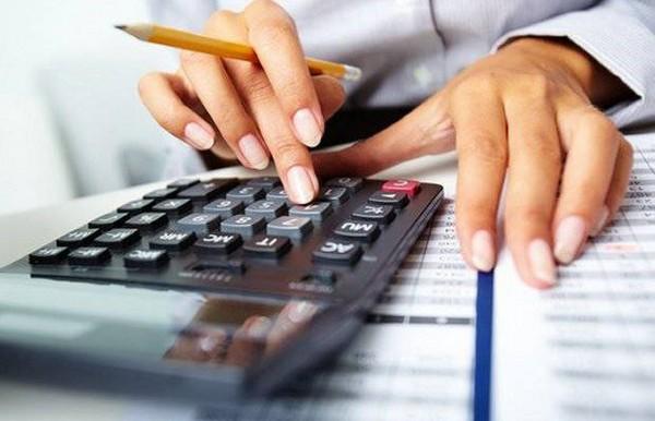 Все зависит от вида премий – некоторые налогом все же не облагаются