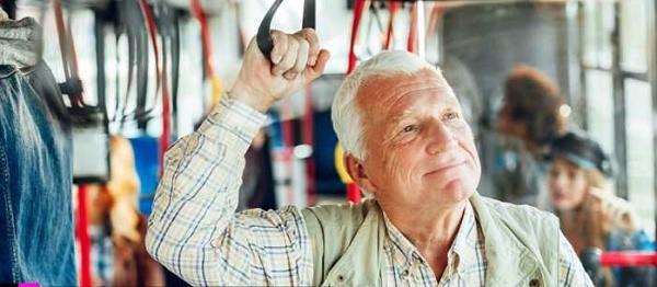 Напоминаем, что недавно произошло повышение пенсионного возраста, и возможность пользования льготами для многих граждан отдалилась еще на несколько лет