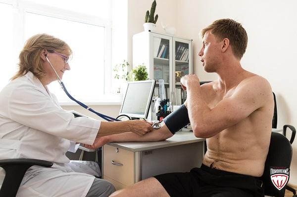 Медицинский осмотр является обязательной процедурой для каждого работника, для которой работодателем должен быть выделен один оплачиваемый день