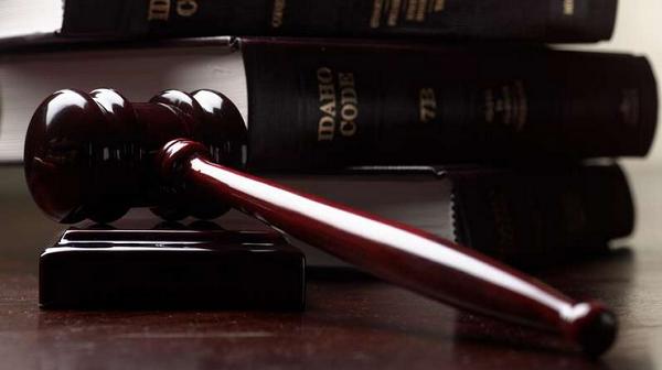 Незаконным считается сотрудничество, осуществляющееся с госорганами с целью помочь подопечному
