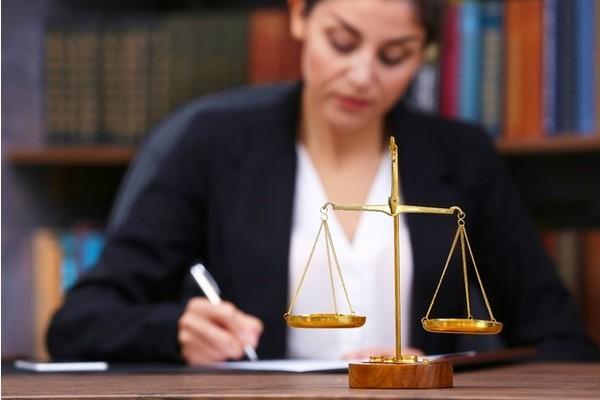 Если расписка оказалась поддельной, можно доказать в суде свою правоту