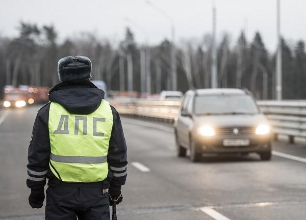 Существует множество причин, за которые водитель может быть лишен удостоверения