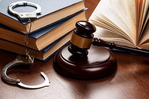 Адвокат осужденного должен составить ходатайство и направить его в суд