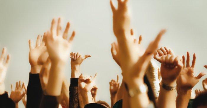 Чтобы мирное соглашение было принято, за него должно проголосовать большинство участников собрания