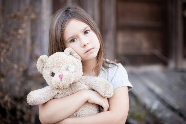 Опекунство применяется исключительно над ребенком возрастом до 14 лет. С 14 до 18 лет она переходит в попечительство