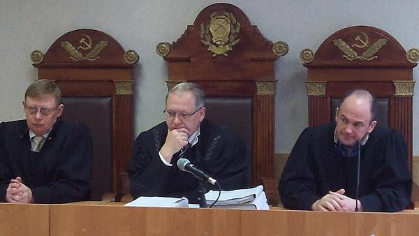 Кассационная инстанция рассматривает жалобы, касающиеся решений судей первой инстанции