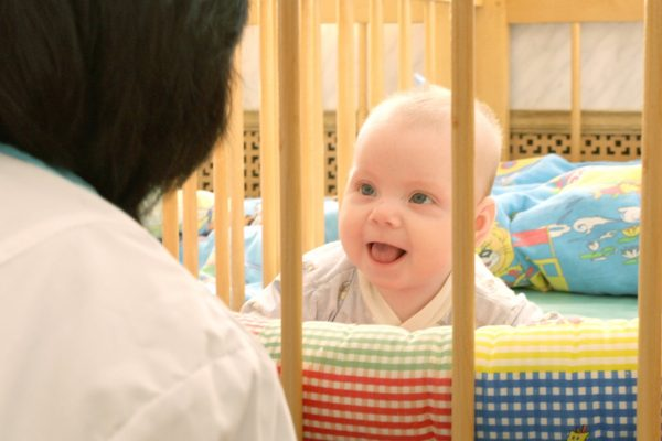 Младенец в доме малютки