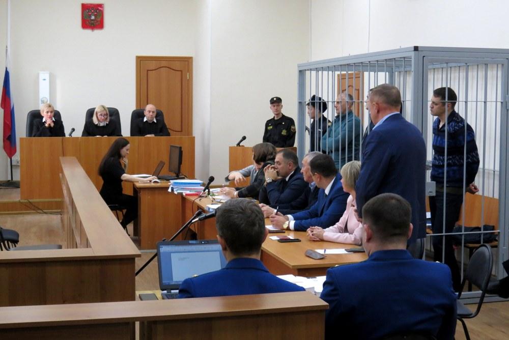 На суде функцию защитника чаще всего выполняет профессиональный адвокат