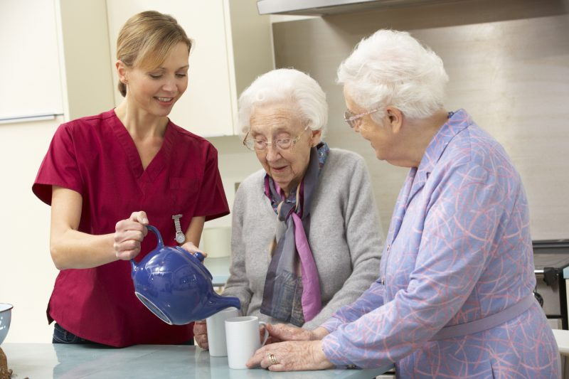 Отличие патронажа от опекунства заключается в степени дееспособности пожилого чека