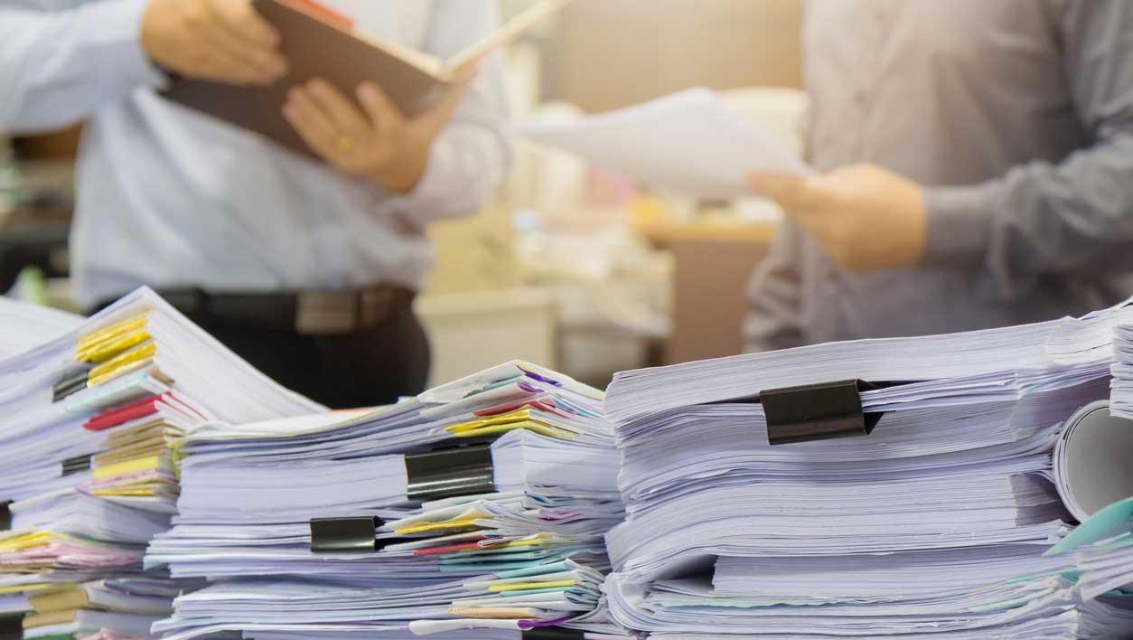 Передача печати может потребоваться в том случае, если она нужно сотруднику другой фирмы для подписания документов